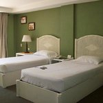  Deluxe Room (twin beds)