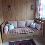  Stube mit Bett/Sofa