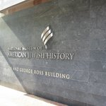 ‪National Museum of American Jewish History‬