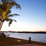 5 minute walk to Noosa River, cafes, fishing and boating