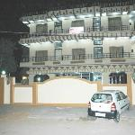  HOTEL MAN SAGAR is one of the best hotels I have stayed in. Rooms are very very cozy with a home