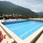  Outdoor Swimming-pool - Piscina Exterior