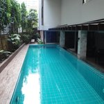 Photo de Aspen Suites Bangkok