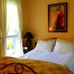  A great night&#39;s sleep in the Gold Coast B &amp; B. Third floor street room.