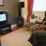 Living Room, TV, Gas Fireplace