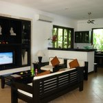 The Zen Villas resmi