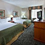 Holiday Inn Express Pella - Two Queen