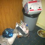 there's nothing like trash festering in the hall for days.. but that's what happen with no clean