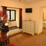 The Langley Arms Bed & Breakfast resmi