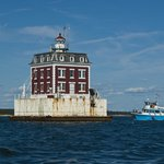 Ledge Lighthouse and Project Oceanology tour boat