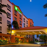 Holiday Inn Express & Suites Fort Lauderdale Airport West Davie
