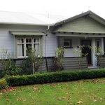 Oak Tree Bungalow Bed & Breakfast