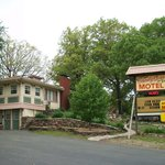 Shady Acre Motel