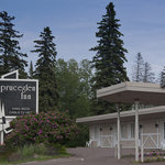  Spruceglen Inn offers convenient drive up