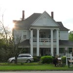 Фотография Ehrhardt Hall Bed and Breakfast Inn