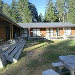 Foto de LakeFront Backpackers Lodge