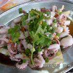  Steamed mini octopus, another popular local dish