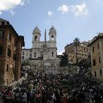 spanish steps nearby