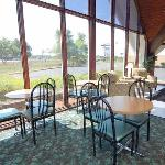 Φωτογραφία: Economy Inn Benton Harbor