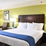 Holiday Inn Express South National City