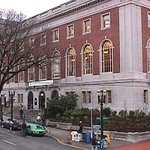 ‪Multnomah County Central Library‬
