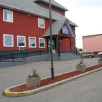 Lakeview Inn &amp; Suites