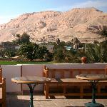 Memnon statues are closed to hotel