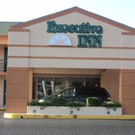 Executive Inn - Locust Grove