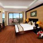  Pearl Suites Room