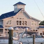  View of the restaurant from the furthest pier of the Marina