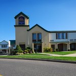 ‪BEST WESTERN East Brunswick Inn‬