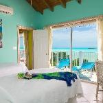 Mermaid green Suite w/ views!
