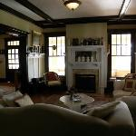  The living room looks so comfortable, so inviting. Were it a rainy afternoon, we would spend our