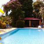 Piscina y rancho