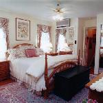  The Valerie Guest Room