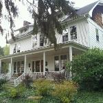 White Oak Inn Bed and Breakfast resmi