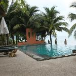 The Shambhala Khaolak Resort resmi
