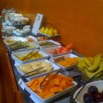 Great breakfast buffet - with lots of fruits....