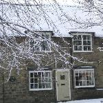 Eden House B&B Front View - snowy days in February