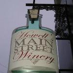 Howell's MainStreet Winery