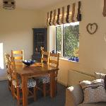  breakfast dining area