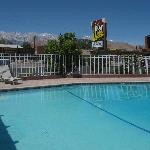  Motel pool - nice backdrop !