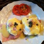  Cathy&#39;s eggs Benedict (included a first course, homemade blueberry muffin!)
