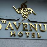 Foto van 6th Avenue Hotel