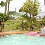 Cherinicole Beach Resort resmi