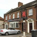 The Red Lion resmi