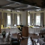  Groer Speisesaal mit Buffet-Ecke