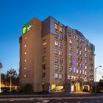 ‪Holiday Inn Express & Suites Boston - Cambridge‬