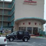 Howard Johnson Oceanfront Hotel resmi