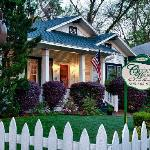 ‪The Carriage House Bed and Breakfast‬
